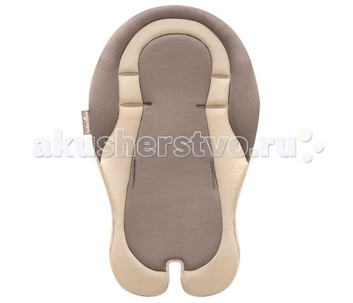 Babymoov Подушка анатомический вкладыш 6+Подушка анатомический вкладыш 6+Все родители задумываются о здоровье малыша, а универсальный вкладыш, поможет сохранить спинку ребенка красивой и ровной в любом месте. Вкладыш подходит для любых шезлонгов, кресел, переносок, при этом могут быть использованы 2,3, 5-точечные ремни безопасности.   Эргономичный подголовник поможет правильно расположить ребенка на любой поверхности, включая пеленальный столик. Специальный материал с «эффектом» памяти, позволяет смягчить жесткое лежачее место. Вкладыш выполнен из уникальной мягкой ткани, которая способствует комфортному терморегулированию.    Эргономичный подголовник. Мягкие «дышащие» ткани.  Вкладыш можно стирать в машинке при температуре 30&#730;С.  Размеры вкладыша: 73 х 45 х 5 см<br>
