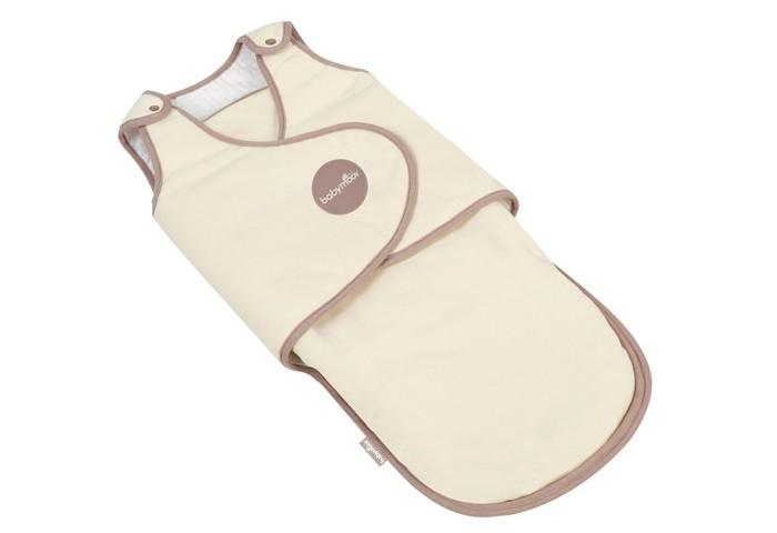 Пеленка Babymoov для пеленания 3+для пеленания 3+Несмотря на то, что малыш уже немного подрос, одеяло для пеленания все же ему понадобится. Выполненное из уникальной «дышащей» ткани, оно поможет быстро и легко запеленать ребенка. Для этого понадобится всего четыре движения!  Также есть возможность отрегулировать плотность пеленания с помощью липучек, которые помогут надежно зафиксировать конверт. При этом малыш может исследовать мир, ведь ручки можно оставить свободными.  В составе ткани 100% хлопок, что является очень важным для здоровья малыша, ведь в этом возрасте кожа очень нежная, и ей необходимы прикосновения только к мягким материалам.   Одеяло можно стирать в машинке при температуре 30&#730;С.  Размеры одеяла: 75 х 32 х 2 см.<br>
