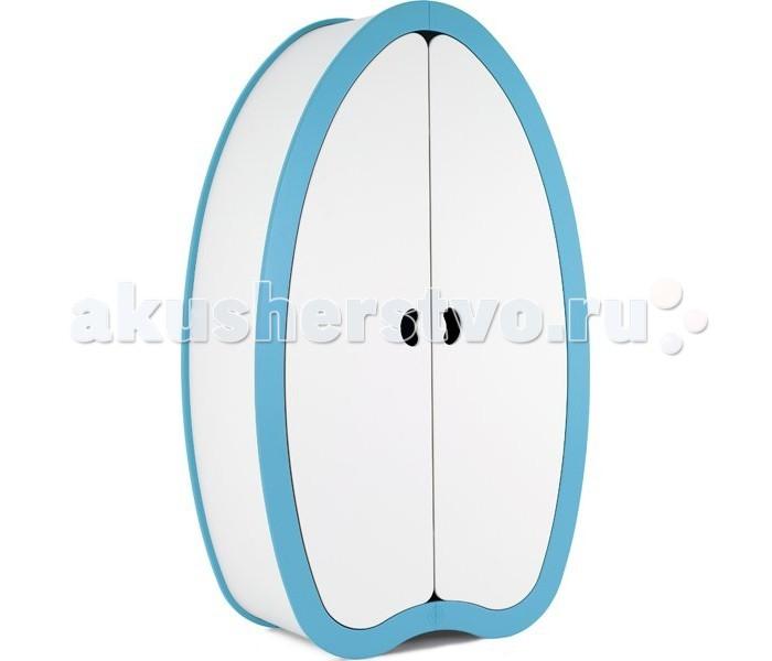 Шкаф Beaneasy HideHideШкаф Beaneasy Hide станет настоящим украшением комнаты и обязательно понравиться Вашему малышу. Выполнен из дорогих нетоксичных материалов и имеет уникальный ультрамодный дизайн. Пять удобных вместительных полок позволят вместить все необходимые вещи малыша, а удобная перекладина для вешалок имеет длину более 80 сантиметров. С яркой окантовкой в стиле всей коллекции мебели Beaneasy отлично впишется в любой интерьер детской комнаты.  Создавая мебель Beaneasy для вашего малыша, специалисты компании акцентируют внимание на используемых материалах. Все они высокого качества, лаки и краски – нетоксичные, на водной основе и абсолютно безопасны для маленького растущего ребенка. Вся мебель Beaneasy собирается вручную и вы можете быть уверены в ее качестве.  Особенности: имеет прочную устойчивую конструкцию изготовлен из высококачественных и экологически чистых материалов выполнен в элегантном современном дизайне, имеет две створки шкаф состоит из пяти полок с удобной перекладиной для вешалок оригинальные удобные ручки-прорези в дверях  Габариты изделия: внешние: 120х54х200 см длина перекладины: 80 см<br>