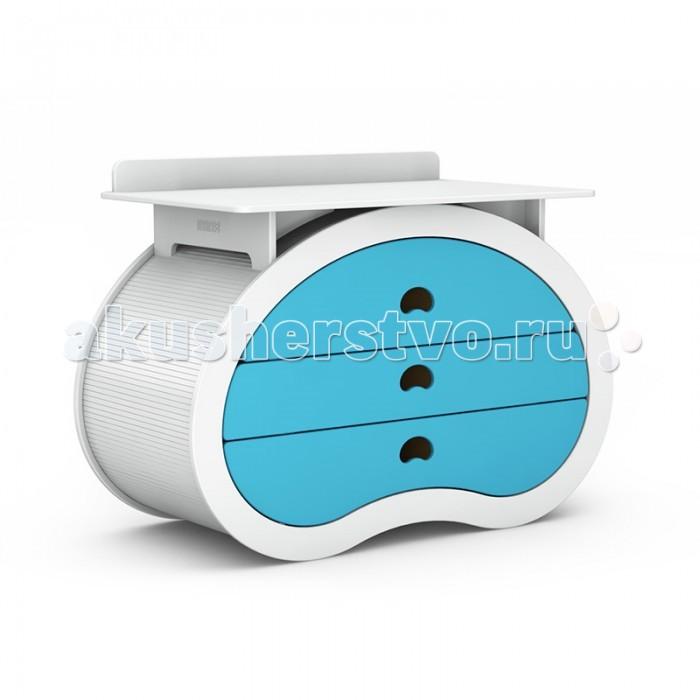 Комод Beaneasy Hug пеленальный (3 ящика)Hug пеленальный (3 ящика)Комод Beaneasy Hug пеленальный (3 ящика) предоставляет вам необходимое пространство для смены пелёнок, мытья и переодевания вашего любимого малыша. Благодаря настраиваемой высоте комод имеет улучшенную эргономику, из-за чего вы меньше напрягаете спину во время ухода за вашим ребёнком.   В корпусе комода в форме перевёрнутого боба вы найдёте три ящика большого размера с разделителями. Благодаря им вы можете разложить и хранить всё, что хотите, и даже больше. Система мягкого запирания ящиков обеспечивает безопасность, поэтому исключается возможность повреждения пальцев.  Создавая мебель Beaneasy для вашего малыша, специалисты компании акцентируют внимание на используемых материалах. Все они высокого качества, лаки и краски – нетоксичные, на водной основе и абсолютно безопасны для маленького растущего ребенка. Вся мебель Beaneasy собирается вручную и вы можете быть уверены в ее качестве.  Особенности: Экологически безопасные и нетоксичные материалы Корпус в форме перевернутого боба Прочная, устойчивая конструкция Комод можно настроить по высоте 3 ящика большого размера с разделителями Система мягкого запирания ящиков исключит возможность повреждения пальцев Оригинальные ручки - удобные прорези в ящиках Идеально вписывается в интерьер современной детской комнаты Богатая цветовая гамма позволит подобрать кровать в соответствии с дизайном детской комнаты  пеленального столика: 75х120 см<br>