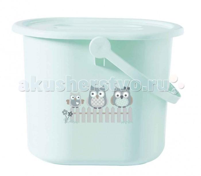 Bebe Jou Ведро для наполнения, слива ванночки и использованных подгузниковВедро для наполнения, слива ванночки и использованных подгузниковВедро для наполнения, слива ванночки и использованных подгузников Bebe Jou может выполнять сразу несколько функций. Используя его, можно наполнить ванночку. Емкость ведра оптимальна, не создаст для молодой мамы излишней нагрузки. После купания малыша, используя шланг, в ведро Вы можете слить из ванночки воду. Ведро можно использовать для накопления использованных подгузников. Плотно закрывающаяся крышка предотвратит выход запаха за его пределы. Емкость ведра 14 литров.<br>