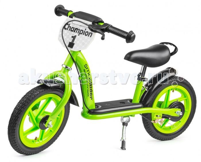Беговел Small Rider Champion Deluxe самокатChampion Deluxe самокатSmall Rider Champion Deluxe имеет столько функций, что можно сказать, что это почти что полноценный детский велосипед без педалей.  Особенности:  Надувные колеса 12 радиус; Ручной тормоз; Широкая платформа, куда ребенок может поставить ноги, оттолкнувшись от земли; Регулировка высоты сиденья без инструмента (руля с инструментом); Подножка; Ручка-переноска; Новая опция - 2 брызговичка;  Эффектный дизайн и табличка Champion спереди.<br>
