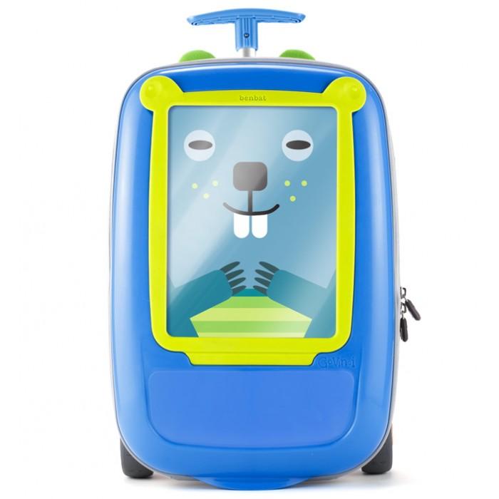 """BenBat Чемодан детский GovinciЧемодан детский GovinciДетский чемодан Govinci """"Рисую и путешествую"""" от компании BenBat - удобный и нужный аксессуар для детей, занимающихся рисованием.  Размер чемоданчика позволяет брать его на борт самолета как ручную кладь, чемоданчик художника – идеальный спутник на отдыхе с детьми!  Прочный пластиковый корпус яркой расцветки, телескопическая выдвижная ручка и колесики усиленной конструкции обеспечивают удобную транспортировку.   Чемодан """"Рисую и путешествую"""" оснащен демонстрационной рамкой для рисунков и настолько вместителен, что вашему ребенку можно избавиться от других сумок и чемоданов.  Может быть использован как стол для рисования.   Характеристики: Предназначен для детей от 3-х лет Эксклюзивный дизайн Прозрачная рамка для размещения рисунков, фотографий, и других художественных творений детей Можно использовать в качестве поверхности для рисования Телескопическая выдвижная ручка для удобной транспортировки Отличное решение, для хранения детских вещей и багажа Высококачественные, яркие материалы Широкие колеса для плавного и комфортного хода чемоданчика Корпус чемодана легко чистится  Размеры: 39х27х15 см.  Полезный объем 15 литров<br>"""