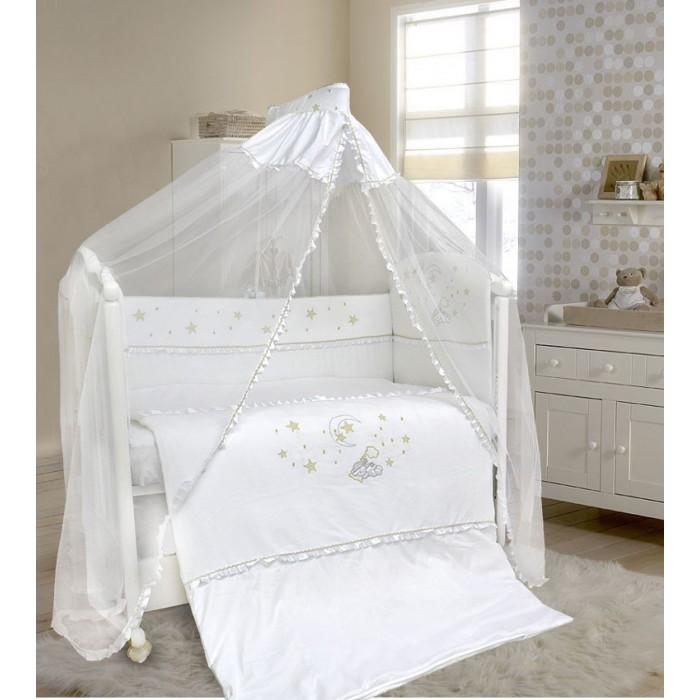 Комплект в кроватку Bombus Малышок (7 предметов)Малышок (7 предметов)Комплект постельного белья Малышок, изготовленный из шелковистого сатина, подарит вашему малышу спокойный и крепкий сон. Бортики и одеяло отделаны мягким и богатым велюром, украшены красивой вышивкой.  Великолепный дизайн и нежные тона комплекта придадут уют и будут радовать вашего малыша. Такой комплект впишется в любой дизайн детской комнаты!  В качестве наполнителя используется Холлкон, он хорошо пропускает влагу, гипоаллергенный, дышащий и создает комфортный микро – климат в кроватке.  Нежный балдахин изготовленный из мягкой вуали и отделанный вставкой из ткани, создаст уют.   В состав комплекта входят 7 предметов:  балдахин (180 см х 400 см) одеяло (105 см х 142 см)  подушка (60 см х 40 см) простыня на резинке (100 см х 150 см) пододеяльник на молнии (110 см х 145 см)  наволочка (60 см х 40 см) бампер съемный (360 см х 40 см)   материал: сатин, велюр, бязь Доступны следующие расцветки: арт. 1441 - белый арт. 1443 - бежевый  Производитель оставляет за собой право изменять рисунки на ткани.<br>