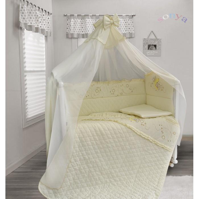 Комплект в кроватку Bombus Соня (6 предметов)Комплекты в кроватку<br>Необыкновенно нежный комплект Соня порадует вашего малыша. Ему будет очень комфортно находиться в кроватке и он с удовольствием будет рассматривать рисунок на бампере.  Комплект выполнен из высококачественной хлопковой ткани (миткаля). Стежка комплекта выполнена на высокотехнологичном импортном оборудовании, что позволяет воплотить дизайнерские и технологичные идеи в создании этого комплекта.  Бортики и одеяло отделаны вышивкой, которая придает комплекту особое очарование. В качестве наполнителя используется Холлкон, он хорошо пропускает влагу, гипоаллергенный, дышащий и создает комфортный микро – климат в кроватке. Нежный балдахин изготовлен из мягкой и нежной вуали. Это элегантный и красивый аксессуар для детской кроватки, который создает ощущение уюта и красоты.   В состав комплекта входит 6 предметов:  балдахин (вуаль) (175 см х 400 см)  подушка (60 см х 40 см)  простыня (100 см х 150 см)  стеганый пододеяльник с молнией (110 см х 145 см)  наволочка (60 см х 40 см) бампер (360 см х 40 см)  Материал: 100% хлопок (миткаль, бязь) Наполнитель: холлкон