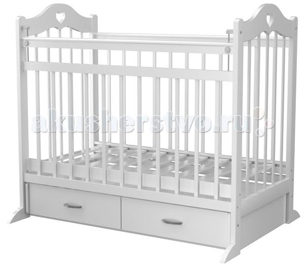 Детская кроватка Briciola 12 маятник поперечный12 маятник поперечныйДетская кроватка Briciola 12 маятник поперечный   Итальянский бренд создал красивую и функциональную конструкцию, которая позволяет подарить ребенку комфорт и безопасность и при этом достойно украсить интерьер детской комнаты.  Особенности: Мебель известного бренда соответствует нормам и стандартам ЕСЕ, сертифицирована, производится из натуральной древесины с использованием лаков и красок без токсинов. Детская кроватка Брикиола 12 выделяется своим изысканным и утонченным дизайном, лаконичностью в деталях и при этом элегантностью. Торцевые панели реечные, украшены рельефным изгибом сверху. Это придает кроватке Briciola-12 особого шика. Маятниковый механизм поперечного качания тихий и мягкий, кроха будет быстро засыпать, а родителям не придется тратить много усилий. Ложе кроватки регулируется по высоте, что удобно и для малыша, и для родителей. У основания мебели есть выдвижной ящик, который спроектирован для хранения детских вещей или игрушек, сменного постельного белья. Передняя стенка опускается и полностью демонтируется. Материал конструкции — массив березы.<br>