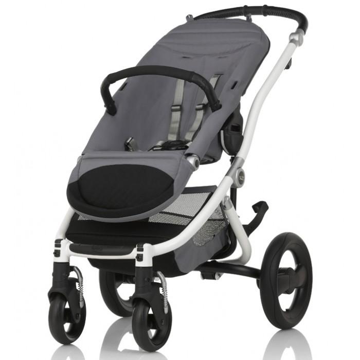 Прогулочная коляска Britax Affinity 2Affinity 2Прогулочная коляска Britax Affinity 2 - стильная складная коляска для городских и загородных прогулок! Для детей до 17 кг. Комплектация: шасси и прогулочный блок.   Детская коляска Britax Affinity 2 создана для родителей, которые хотят получать от жизни лучшее. Стильный дизайн и большой выбор цветов. Двойная подвеска для поездок как по городу, так и по пересеченной местности. Пусть каждая прогулка с ребенком приносит радость.  Отсутствие острых углов и выпирающих деталей, а также облегченная алюминиевая рама обеспечивают комфорт и простоту использования. Теперь Вы можете самостоятельно выбирать необходимые элементы для своей коляски в зависимости от предпочтений членов семьи или модных трендов сезона!  В базовую комплектацию входит: шасси и прогулочный блок.  Отличительные особенности детской коляски Britax Affinity 2: Возможность комбинирования элементов разного цвета в зависимости от вкусовых предпочтений членов семьи или модных трендов сезона 3 положения наклона прогулочной люльки Длина спинки: 54 см 5-точечный ремень безопасности с регулируемыми по высоте лямками Встроенные адаптеры «CLICK&GO» для установки спального блока и автомобильной люльки-переноски Оптимальный размер сиденья: 26 x 31 см Регулируемая подставка для ног, длина подножки - 20 см Уникальный дизайн Передние поворотные колеса с фиксацией направления и амортизаторами Плавные линии шасси, отсутствие выпирающих деталей и видимых крепежных элементов Мягкая задняя подвеска Возможность установки люльки против/по ходу движения Регулируемая ручка коляски, высота ручки: 75 - 107 см Быстросъемные колеса для более компактного хранения, вес кояски без колес - 8 кг Легкий алюминиевый каркас с невероятно удобным и интуитивно понятным механизмом складывания и механической фиксацией Компактный размер в сложенном состоянии: 33 x 60 x 66 см (включая с прогулочным блоком и колесами) Максимальная нагрузка на коляску: 23 кг.  Разноцветные вставки Colour Pack с капором (ф