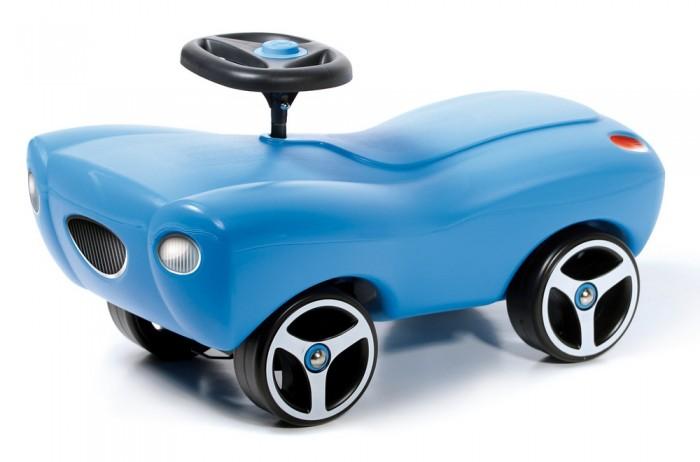 Каталка Brumee SmarteeSmarteeКаталка Brumee Smartee отличный транспорт для малышей, недавно научившихся ходить. Лёгкая конструкция без острых краёв и углов, большие надёжные колёса, сочные расцветки – продукция Brumee отличается высоким качеством, практичностью и удобством в использовании как для детей, так и для родителей.   Особенности: стильный автомобиль-каталка для малыша материалы: металл, пластик лёгкая, прочная и стабильная конструкция отсутствие острых углов сводит к минимуму риск случайных царапин и ушибов защита металлических деталей и устойчивость к УФ-излучению – каталка прослужит долго, сохраняя функциональность и яркий внешний вид удобный руль с клаксоном эргономичное сиденье обеспечивает комфортную посадку надёжные колёса на металлических осях в комплект входят наклейки дополнительно можно приобрести прицеп для каталки. Выдерживает вес до 60 кг. Колеса сделаны из высокопрочного пластика, которые не царапают и не оставляют следов на любом покрытии пола В комплект входят два варианта наклеек: фары и глазки Каждая модель оснащена пищалкой Устойчивая стабильная конструкция, не позволяющая ребенку перевернуться<br>