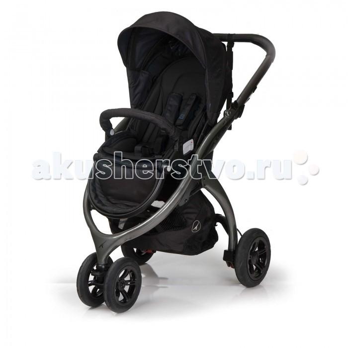 Прогулочная коляска Casualplay Kudu 3Kudu 3Kudu, новая концепт-коляска стала доступна!  Облегчённая рама, долговечные надувные колёса с независимой подвеской, рукоятка, обшитая натуральной кожей. Трёхколёсная конструкция обеспечивает превосходную маневренность, а надувные колёса с независимой подвеской - комфортную езду на любой местности.  Kudu притягивает взгляды!  Особенности: Новая система 5-точечных ремней безопасности снабжена специальной безопасной и надёжной пряжкой, застёжки которой изготовлены по запатентованной технологии. Складная спинка имеет 3 положения по углу наклона. Большое и широкое сиденье исключительно комфортабельное, эргомичное и дышащее, благодаря использованию высококачественных материалов. Рукоятка, обшитая натуральной кожей класса Премиум, имеющая специально разработанный анатомический профиль, обеспечит удобство положения рук и чрезвычайно приятна на ощупь. 4 надёжных, долговечных и очень компактных колеса с дисками, имеющими облегчённую конструкцию, позволяют использовать Kudu на любой местности: в черте города, в деревне и на даче, на пляже, в горах и прочих экстремальных условиях эксплуатации. Поворотное сиденье: лёгким движением сиденье устанавливается по направлению движения или по направлению к родителям. Регулировки спинки позволяют малышу комфортно сидеть во время бодрствования и лежать во время сна. Также, благодаря полному горизонтальному раскладыванию сиденья, его удобно использовать для смены подгузников и переодевания. Страховочный ремешок с биркой для нанесения информации. Регулируемая подставка для ног делает коляску ещё более удобной для родителей, а пребывание в ней малыша становится ещё более комфортным. Большая багажная корзина с простым и удобным доступом. Складывается одним простым движением: можно легко складывать и переносить коляску не снимая сиденья, кроме того, Kudu в сложенном виде легко поместится в шкаф или багажник автомобиля. Раскладывается коляска так же легко! Дизайн Kudu, основанный на минимализме и прост
