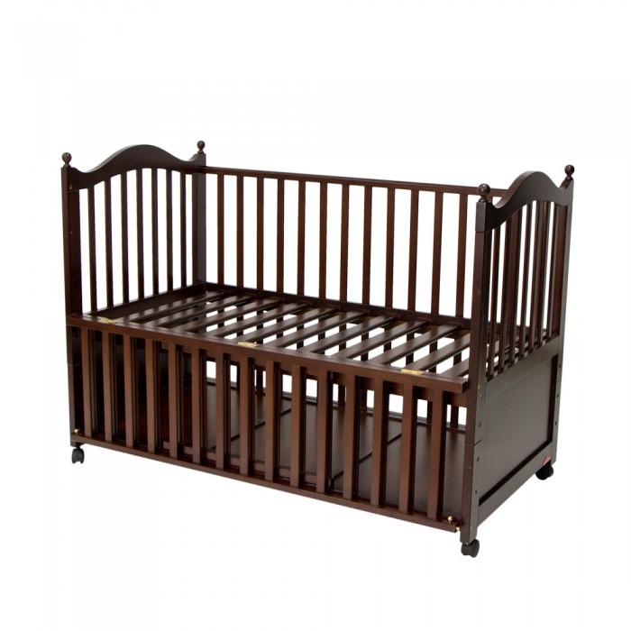 Детская кроватка Chloe &amp; Ryan Seio 001 140х70 смSeio 001 140х70 смДетская кроватка Chloe & Ryan Seio 001 подходит для более длительного срока эксплуатации: прослужит Вашему малышу до 6 лет.  Практичная кроватка с ложем увеличенных размеров: 140х70 см В комплектации кровати-трансформера дополнительный низкий защитный бортик: когда малыш станет постарше, можно снять одну боковину и оставить низкий защитный бортик до середины кроватки (ребенок сможет сам безопасно покидать кроватку) Колесики с фиксатором идут в комплекте (съемные) Материал - натуральное дерево (ольха) Красивый дизайн и качественные материалы<br>