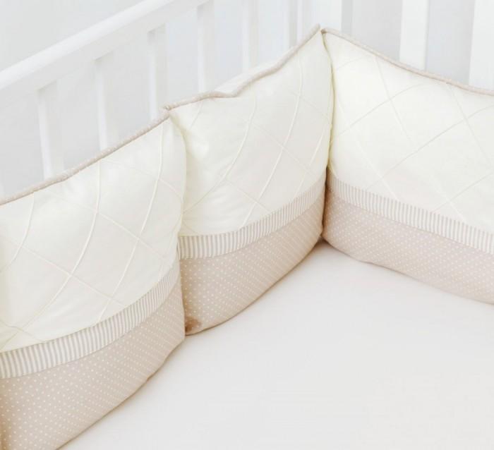 Бортик в кроватку Colibri&Lilly Cappuccino Pillow 120х60 смCappuccino Pillow 120х60 смБортик в кроватку Colibri&Lilly Cappuccino Pillow 120х60 см на весь периметр на весь периметр кроватки.    Бортик состоит из из 4-х частей: 2 части по 4 подушки и 2 части по 2 подушки. Каждая из частей бортика имеет съемный чехол, что делает его удобным для стирки. Высота бортика - 28 см.  Ткань: twister, перкаль (100% хлопок)  Наполнитель: полиэфирное волокно (холлофайбер) Twister - это плотная ткань из 100% хлопка, при производстве которого используется хлопчатобумажная нить. Ткань легко стирается, быстро сохнет и обладает малой сминаемостью. Высокая плотность ткани гарантирует пыленепроницаемость и высокую износостойкость.  Перкаль - это высококачественная хлопковая ткань, отличающаяся большой плотностью переплетения нитей, что придает ткани практичность, износостойкость и долговечность. Хлопок абсолютно гипоаллергенен и безопасен для малыша и позволяет нежной коже дышать, прекрасно впитывая влагу.  Холлофайбер - безопасный и гипоаллергенный материал, не крошится, не дает усадки, формоустойчив (бортик плотно прилегает к кроватке, не прогибается), воздухопроницаемый, долговечный.<br>