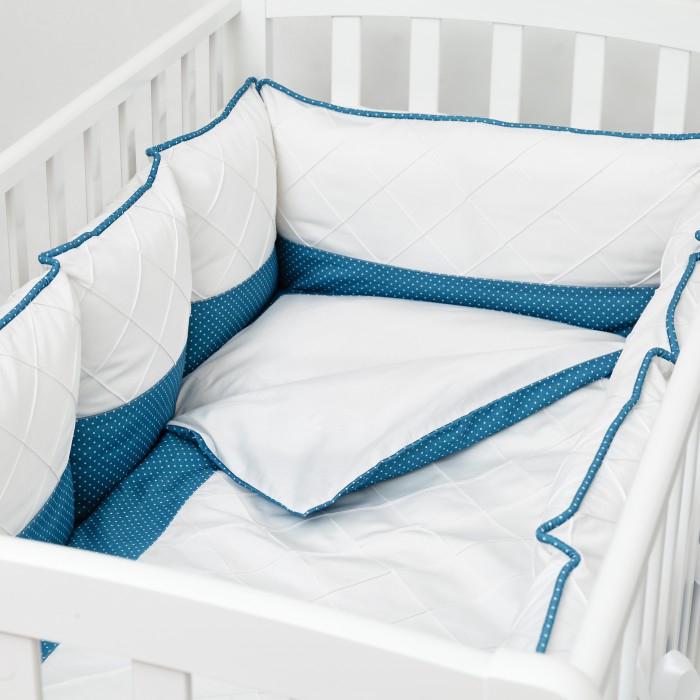 Комплект в кроватку Colibri&amp;Lilly Ocean Pillow (4 предмета)Ocean Pillow (4 предмета)Комплекты в кроватку Colibri&Lilly Ocean Pillow (4 предмета) весь текстиль быстро и удобно снимается, постельные принадлежности выдерживают большое количество стирок, что так важно для современных мам и их малышей.  Хлопок абсолютно гипоаллергенен и безопасен для малыша и позволяет нежной коже дышать, прекрасно впитывая влагу.  Состав комплекта: Защитные бортики-подушки на весь периметр кроватки – бортик состоит из 4-х частей: 2 части по 4 подушки и 2 части по 2 подушки. Размер каждой подушки - 28 х 28 см Наволочка (принт коллекции) 62 x 32 см Пододеяльник (принт коллекции) 132 x 102 см Простыня на резинке (однотонная) для кроватки 120 x 60 см<br>