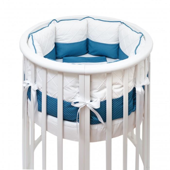 Комплект в кроватку Colibri&Lilly Ocean Round (7 предметов)Комплекты в кроватку<br>Комплекты в кроватку ColibriLilly Ocean Round (7 предметов) весь текстиль быстро и удобно снимается, постельные принадлежности выдерживают большое количество стирок, что так важно для современных мам и их малышей.  Хлопок абсолютно гипоаллергенен и безопасен для малыша и позволяет нежной коже дышать, прекрасно впитывая влагу.  Состав комплекта: Защитные бортики - подушки по всей окружности круглой кроватки 75 х 75 см и овальной кроватки 125 х 75 см (принт коллекции). Бортик состоит из 6 прямоугольных подушек. Пододеяльник (принт коллекции) 132 х 102 см Наволочка (принт коллекции) 62 х 32 см Простыня на резинке для круглой кроватки 75 х 75 см (однотонная)  Простыня на резинке для овальной кроватки 125 х 75 см (однотонная) Подушка 60 х 30 см Одеяло 130 х 100 см