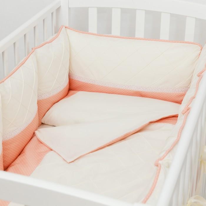 Комплект в кроватку Colibri&amp;Lilly Peach Pillow (6 предметов)Peach Pillow (6 предметов)Комплекты в кроватку Colibri&Lilly Peach Pillow (6 предметов) весь текстиль быстро и удобно снимается, постельные принадлежности выдерживают большое количество стирок, что так важно для современных мам и их малышей.  Хлопок абсолютно гипоаллергенен и безопасен для малыша и позволяет нежной коже дышать, прекрасно впитывая влагу.  Состав комплекта: Защитные бортики-подушки на весь периметр кроватки – бортик состоит из 4-х частей: 2 части по 4 подушки и 2 части по 2 подушки. Размер каждой подушки  - 28 х 28 см Наволочка (принт коллекции) 62 x 32 см Пододеяльник (принт коллекции) 132 x 102 см Простыня на резинке (однотонная) для кроватки 120 x 60 см Подушка 60 х 30 см Одеяло 130 х 100 см<br>