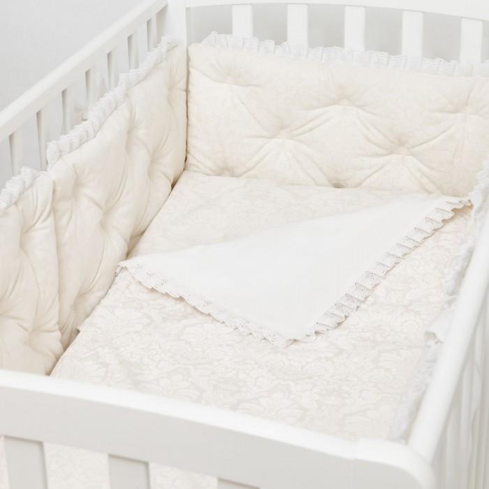 Комплект в кроватку Colibri&amp;Lilly Rafaello Pillow (6 предметов)Rafaello Pillow (6 предметов)Комплекты в кроватку Colibri&Lilly Rafaello Pillow (6 предметов) весь текстиль быстро и удобно снимается, постельные принадлежности выдерживают большое количество стирок, что так важно для современных мам и их малышей.  Хлопок абсолютно гипоаллергенен и безопасен для малыша и позволяет нежной коже дышать, прекрасно впитывая влагу.  Состав комплекта: Защитный бортик (принт коллекции) - 360 x 30 см, состоит из 4х частей Наволочка (принт коллекции) 62 x 32 см Пододеяльник (принт коллекции) 132 x 102 см Простыня на резинке (однотонная) для кроватки 120 x 60 см Подушка 60 х 30 см Одеяло 130 х 100 см<br>