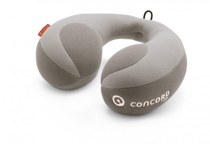 Concord Подушка под шею Roll LunaПодушка под шею Roll LunaConcord Подушка под шею Roll Luna создаст для вашего маленького пассажира еще больший комфорт и безопасность. Подушка выполнена из мягкого материала, в меру жесткая. Очень хорошо поддерживает шею, что делает езду еще более безопасной. Мягкий валик под шею Concord Roll обеспечит здоровое пребывание в объятиях Морфея, пока мама выруливает на новую автостраду. Он набит гипоаллергенным синтепоном, обладающим функцией памяти и поддерживающим головку во время сна.   Размеры упаковки 21 х 4,6 х 27 см  Вес 0.4 кг<br>