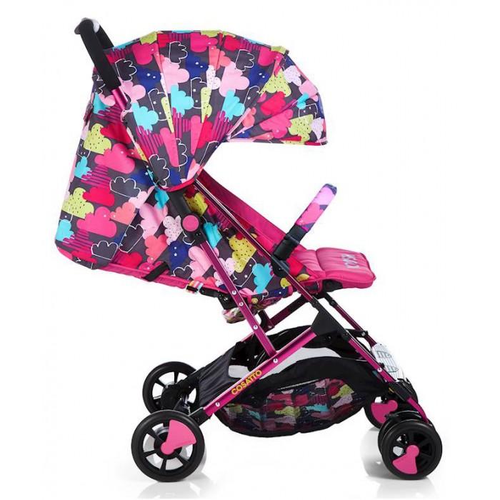 Прогулочная коляска Cosatto Woosh с бамперомПрогулочные коляски<br>Прогулочная коляска Cosatto Woosh с бампером подходит для перевозки детей с самого рождения благодаря откидной спинке сиденья. Капюшон с козырьком оградит малыша от ветра и ярких солнечных лучей.  Особенности:   Для детей с рождения до 3 лет, весом до 25 кг Спинка сиденья регулируется в нескольких положениях по наклону, откидывается на 175 градусов Регулируемая подножка Регулируемый капюшон с солнцезащитным козырьком, фактор защиты от солнца UPF100 + 5-точечные ремни безопасности с мягкими накладками Съемный задний чехол на молнии для хорошей вентиляции в жаркую погоду Кармашек для мелочей и ремешок для ключей Прочная алюминиевая рама Звонок, расположенный на ручке Съемные колеса Поворотные сдвоенные передние колеса с фиксаторами Передняя и задняя подвеска обеспечивают плавный ход коляски Легко складывается по типу книжка одной рукой Вместительная корзина для покупок с удобным доступом. Сиденье: 30 х 20 см Глубина подножки: 12,5 см Длина спинки сиденья: 42 см Длина спального места: 74,5 Высота сиденья от уровня земли: 45 см Высота ручки: 103 см.