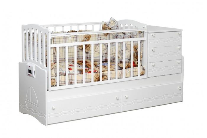Кроватка-трансформер Daka Baby 03 (поперечный маятник)03 (поперечный маятник)Кровать-трансформер Daka Baby 03. Кровать с маятниковым механизмом поперечного качания подходит для детей с рождения и до роста 170 см. Поперечный маятник бережно укачивает новорожденного, а небольшой пеленальный столик, расположенный прямо рядом с кроваткой, обеспечивает удобство во время гигиенических процедур или переодевания как для малыша, так и для мамы.   Особенность данной модели в ее функциональности. Когда кроха научится самостоятельно ходить, и его нужно будет приучать к собственной кровати - Вы легко трансформируете детскую кроватку в удобный диванчик, просто сняв боковую стенку. Малыш самостоятельно будет забираться в кроватку. А когда ребенок станет еще чуть старше, Вы сможете организовать для него полноценное спальное место-диван.   Особенности: Из массива твердолиственных пород древесины (береза). Гипоаллергенное лаковое/эмалевое покрытие на водной основе. Маятниковый механизм поперечного качания (без фиксатора). Кроватка имеет 3 боковых и 2 нижних вместительных ящика на выдвижных направляющих. Опускающаяся боковина. Ортопедическое ложе имеет 2 положения по высоте. Пластиковые накладки-грызунки с двух сторон. Возможность установки комода как справа, так и слева. Стильный и эргономичный дизайн кроватки подойдет ко многим интерьерным решениям как детской, так и любой другой комнаты.  Размеры: размер кровати: 183х64х89 см размер ложе: 120х60/170х60<br>