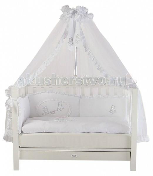 Детская кроватка Feretti VanityVanityДетская кроватка Feretti Vanity обладает элегантным сдержанным дизайном, который при этом смотрится достойно и презентабельно.   Конструкция изготовлена из массива бука – элитной породы древесины. А для ее окрашивания использовались только безопасные лаки и краски на водной основе. Кроватка в классическом стиле с опцией трансформации в диванчик.   Vanity это солидная и богатая коллекция стильной мебели, созданная для самых комфортабельных помещений.  Особенности: изготовлена из массива бука для окрашивания и декорирования применяются исключительно безопасные лаки и краски натуральной пигментации без токсичных примесей кроватка подходит детям от самого рождения до 5-7 лет соответствует всем европейским и российским стандартам идеально вписывается в интерьер современной детской передняя стенка снимается трансформируется в диванчик два уровня ложа по высоте отсутствуют острые углы ложе — ортопедическое съёмные, самоцентрирующиеся колеса, снабжены 2 тормозами просторный, выдвижной ящик для белья в основании кровати с пластиковыми направляющими<br>