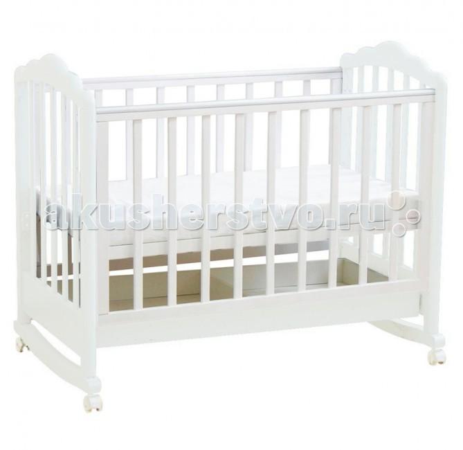 Детская кроватка Фея 621621Детская кроватка Фея 621 прекрасная кроватка для малышей подойдет с рождения до 3 лет , и подарит вашему ребенку спокойный и комфортный сон.  Особенности кроватки Фея 621: Два положения ложа: верхнее – для малышей, которые не могут самостоятельно переворачиваться. Нижнее – для использования, когда ребенок начинает переворачиваться в кроватке. Кровать разбирается для удобства хранения и транспортировки. Механизм опускания стенки одной рукой – «Автостенка» ПВХ накладки – грызунки, исключают возможность грызть стенки при прорезании зубов у ребенка. Ортопедическое основание. Колесики для удобства укачивания ребенка. При снятии колес создается эффект качания кроватки. Выдвижной ящик для удобства хранения детских вещей.<br>