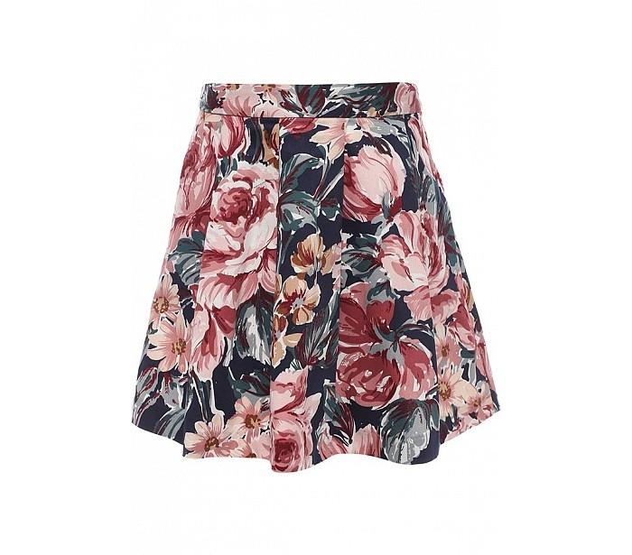 Finn Flare Kids Юбка KB17-71033Юбка KB17-71033Finn Flare Kids Юбка KB17-71033  В гардеробе юной леди неизменной составляющей является юбка. Качественная, изящная, легкая, с красивым узором и комфортным кроем. Стильная юбка длиной до колена, выполненная в крупный цветочный принт, станет прекрасным дополнением в летнему гардеробу любой девочки.   Модель выполнена в складку и отлично садится на фигуру. Юбка для девочки с застежкой молнией, с карманами в шве. Выполнена из высококачественного хлопка с небольшим содержанием эластана для растяжимости.  Состав: 97% хлопок, 3% эластан  Уход: Машинная стирка в щадящем режиме при максимальной температуре 30°C.  Финский бренд Finn Flare предлагает широкий ассортимент качественной продукции. Модные брендовые вещи являются уникальным предложением для тех, кто предпочитает комфорт и обладает хорошим вкусом. Финская компания уже более полувека создает оригинальные и стильные линейки одежды, обуви и аксессуаров.<br>