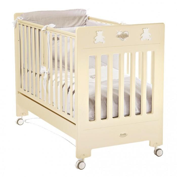 Детская кроватка Feretti DesireDesireДетская кроватка Feretti Desire подойдет Вашему малышу.  Красивый и оригинальный дизайн порадует Вас и вашего малыша. Кроватка изготовлена из массива бука. При изготовлении используются только натуральные и нетоксичные лаки, краски и клей.  Особенности: Рейки обеспечивают надежное крепление матрас Два уровня положения дна Две регулирующийся стенки Механизм регулировки борта одной рукой Бортики снабжены силиконовыми накладками Выдвижной ящик для постельного белья или игрушек Съёмные, самоцентрирующиеся колеса, снабжены 2 тормозами Украшена аппликацией Колёса съёмные, самоцентрирующиеся колеса, снабжены 2 тормозами<br>