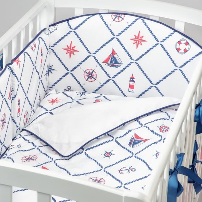 Комплект в кроватку Fluffymoon  Sea Journey №4 (4 предмета)Комплекты в кроватку<br>Комплект в кроватку Fluffymoon Sea Journey №4 (4 предмета) весь текстиль быстро и удобно снимается, постельные принадлежности выдерживают большое количество стирок, что так важно для современных мам и их малышей.  Хлопок абсолютно гипоаллергенен и безопасен для малыша и позволяет нежной коже дышать, прекрасно впитывая влагу.      Состав комплекта: Защитный бортик на весь периметр кроватки  360 x 30 см, состоит из 4х частей. Каждая часть имеет съемный чехол, что делает бортик  удобным для стирки. Наволочка 62 x 32 см Пододеяльник 132 x 102 см Простыня на резинке для матраса 120 x 60 см Ткань: перкаль (100% хлопок)       Наполнитель: холлофайбер     Перкаль - это высококачественная хлопковая ткань, отличающаяся большой плотностью переплетения нитей, что придает ткани практичность, износостойкость и долговечность. Хлопок абсолютно гипоаллергенен и безопасен для малыша и позволяет нежной коже дышать, прекрасно впитывая влагу.  Холлофайбер - безопасный и гипоаллергенный материал, не крошится, не дает усадки, воздухопроницаемый, долговечный.