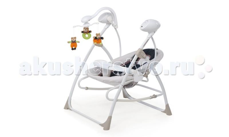 Электронные качели Foppapedretti CarillonCarillonЭлектронные качели Foppapedretti Carillon – изделие, идеально подходящее для малыша с рождения. Качели послужат отличным местом для отдыха и игр ребенка. Качели оснащены электронным блоком, с помощью которого вы можете включить малышу мобиль с игрушками, мелодии, отрегулировав необходимую громкость, а также установить скорость качания.   Столик при необходимости снимается. Наклон сиденья изменяется в нескольких положения. При этом сиденье можно снять и использовать автономно в качестве шезлонга. В комплект входит пульт дистанционного управления, позволяющий управлять скоростью укачивания и переключение мелодий на расстоянии.  Особенности: Съемное, удобное сиденье, регулируемый наклон спинки Надежные ремни безопасности  Съемный столик  Музыкальные мелодии, регулировка громкости, несколько скоростей укачивания Дистанционный пульт управления  Питание от сети или аккумулятора Съемный, вращающийся мобиль, с 3-мя подвесными мягкими игрушками Сиденье можно снять и использовать автономно в качестве шезлонга/кресла-качалки. Система блокировки/разблокировки качания  Материалы: рама – металл; сиденье – пластик; обивка – ткань; чехол можно стирать в стиральной машине  Качели в разложенном виде 74.5х67х94.5 см Вес качелей 7.5 кг<br>