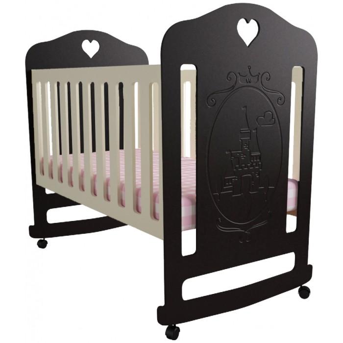 Детская кроватка Forest Принцесса качалкаПринцесса качалкаДетская кроватка Forest Принцесса качалка - с резьбой в виде замка станет прекрасным украшением для комнаты Вашей малышки.  Кроватка оснащена полозьями качания,обеспечивающими мягкие и плавные движения кроватки.  Регулируемое в двух положениях дно кроватки позволяет малышу проводить своё время с максимальным комфортом и является очень удобным для использования родителями.  Особенности: Кроватка изготовлена из высококачественного, стандартизированного МДФ.  Полозья качания Реечное дно  Отсутствие острых углов и деталей Два положения ложа в кроватке для малыша до 3-х лет  Безопасная конструкция  Материал: МДФ, дерево (подматрасник). Размер спального места 120х60 Проста в сборке  Кроватку отлично дополнит комод Forest Принцесса.  Вы можете посмотреть кроватку Forest Принцесса (качалка) на нашем пункте выдачи заказов в районе станции метро Люблино по адресу: Москва, ул. Краснодонская, д. 39<br>