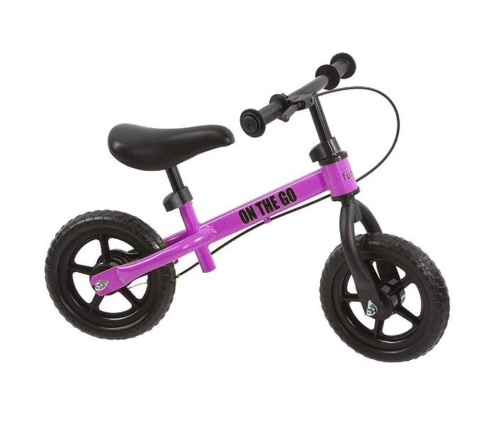 Беговел FunKids On-The-Go 10 с ручным тормозомOn-The-Go 10 с ручным тормозомFunkids On-The-Go - велобег, оснащенный ручным тормозом. Удобное седло и широкие ненакачиваемые колеса сделают прогулки комфортными и незабываемыми.  Беговелы – это детские двухколесные велосипеды, у которых нет педалей. Они совмещают в себе черты велосипеда и самоката и помогают держать равновесие.  Особенности: 10 дюймовые ненадувные колеса - нет проколам эргономичное сидение с мягкой накладкой - катайтесь долго с комфортом стальная рама - запас прочности тормоз заднего колеса - контроль скорости и безопасность тип тормоза - барабан высота руля - от 42 до 50 см высота сиденья - от 33 до 45 см длина - 75 см предназначен для детей от 2 лет (до 28 кг)  Вес беговела: 3.6 кг<br>