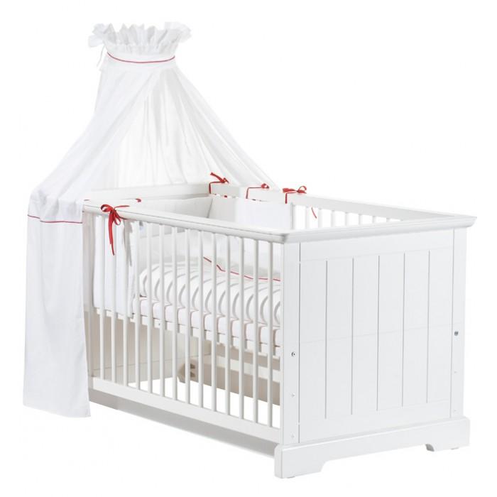 Детская кроватка Geuther CottageCottageДетская кроватка Geuther Cottage  Детская кроватка (70х140 см) легко трансформируется - и из кроватки для новорожденных превращается в кровать для детей дошкольного возраста.  Детская кровать Geuther Cottage создаст непринужденную атмосферу и наполнит уютом детскую комнату.   Мебель Geuther для новорожденных и детей станет надежным спутником Вашего малыша с момента рождения.   С ней Ваш малыш проведет много прекрасных часов: ночью он будет мирно дремать в радующей глаз кроватке для новорожденных, а когда подрастет – на прочной кровати для детей дошкольного возраста.   Отличительные особенности:  подходит детям с самого рождения устойчивая, легко трансформируется оптимальные размеры отсутствие острых углов решетчатые бортики и верхние половинки стенок можно легко снять, когда ребенок повзрослеет, и тогда колыбель превратиться почти что во «взрослую» кровать балдахин и белье в комплект не входят<br>