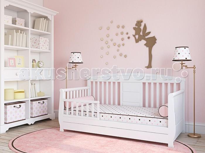 Детская кроватка Giovanni Forte 150x70 смForte 150x70 смКровать-диванчик Giovanni Forte 150x70 см для подросшего ребёнка от 2 лет до 7 лет поможет плавно перейти от сна в кроватке для новорожденного к взрослой кровати.   Оптимальная высота спального места от пола разработана для удобства и безопасности вашего ребенка.  Съемный защитный бортик и комфортная высота от пола уберегут ребенка от падения с кровати во время сна. Прочная устойчивая конструкция с реечным основанием выполнена из массива экологически чистой новозеландской сосны. Выкатной вместительный ящик станет дополнительным местом для хранения белья.    Особенности: Для матраса 150 х 70 см  Предназначена для подросшего ребёнка от 2 до 7 лет  Идеально вписывается в интерьер современной детской комнаты  Защитный бортик в комплекте  Вместительный ящик для белья Размер (ШхВхГ): 160.5 х 82 х 74 см<br>