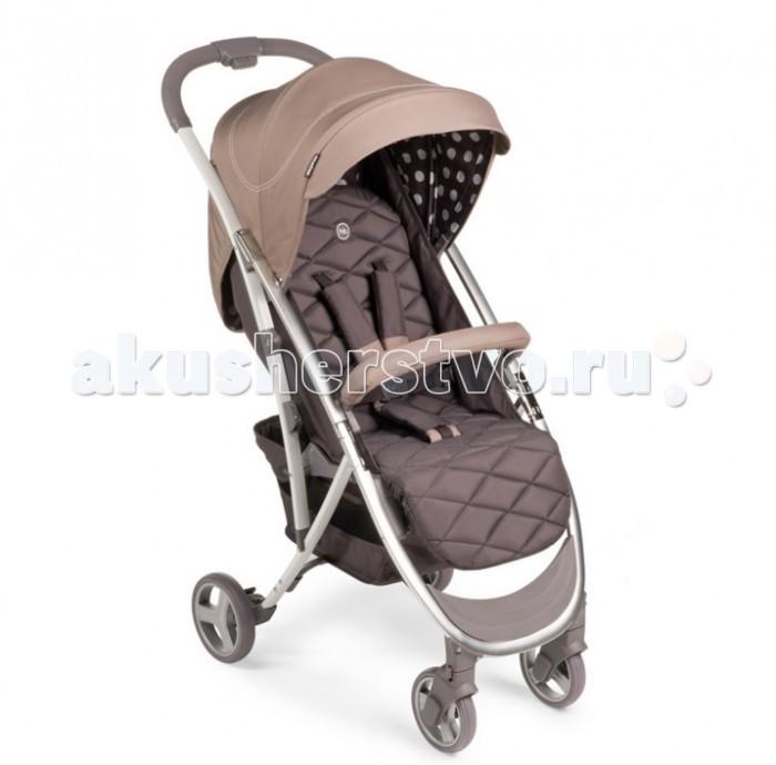 Прогулочная коляска Happy Baby EleganzaEleganzaПрогулочная коляска Happy Baby Eleganza объединяет в себе стиль и отличные ходовые данные, которые по достоинству оценят как владельцы коляски, так и окружающие.  Модель выполненная в фирменном стиле Happy Baby: в ней сочетаются серая ткань в ромбик и в горошек и цветные вставки, спокойных, но не бледных оттенков. Мягкие, закругленные линии рамы добавляет гармонии и элегантности этой модели. Эта коляска отлично подойдет для активных поездок по городу и прогулок с малышом с того момента, как он научится сидеть самостоятельно, и до достижения им веса 15 кг.  Особенности: Коляска легко складывается одной рукой, имеет амортизацию на передних и задних колесах и занимает мало места в сложенном виде.  При весе всего 6,6 кг коляска ELEGANZA имеет съемный бампер, козырек с окошком, регулируемую спинку.  Комплектуется дождевиком, чехлом на ножки, москитной сеткой и корзиной. от 7 месяцев до 3 лет (Максимальный вес ребенка: 15 кг) Ширина сиденья: 31 см Глубина сиденья: 21 см + 21 см (пожножка) Длина спинки: 45 см Кол-во положений спинки: 3 Углы наклона спинки: 100, 120, 170 Подножка регулируется: 2 положения Передние поворотные колеса (360°) с возможностью фиксации  Задние колеса оснащены тормозным механизмом Амортизация передних и задних колес Cкладывается одной рукой Съемный бампер  В сложенном виде занимает мало места  Капюшон со смотровым окошком  Вместительная корзина для покупок Тип складывания: книжка Вес коляски: 7,7 кг.<br>