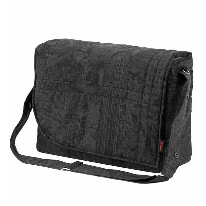 Hartan Сумка City Bag для детской коляскиСумки для мамы<br>Hartan Сумка City Bag для детской коляски - стильная и практичная сумка, которая имеет множество карманов и отделений для удобного хранения и транспортировки всех детских принадлежностей.  В зависимости от ситуации сумку можно использовать 2 способами: как сумку для коляски или носить с ремнем через плечо.  Особенности:  Подходит ко всем коляскам Hartan. Вместительная сумка с большим количеством отсеков и карманов. Удобные карманы для телефона, кошелька, сосок и других мелких вещиц. Отдельный изолированный термо-карман для бутылочек. Съемный, легко регулируемый ремень (на плечо). В комплекте с креплениями для коляски и моющейся мягкой подстилкой для пеленания. Подстилка не содержит ПВХ.