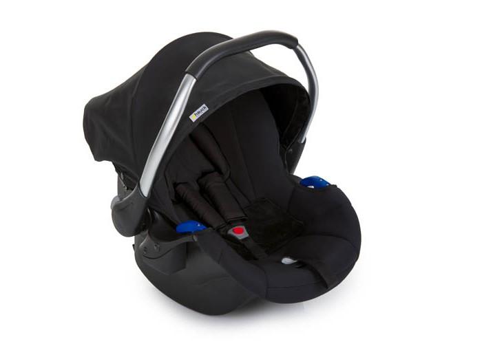 Автокресло Hauck Comfort FixComfort FixАвтокресло Hauck Comfort Fix для новорожденных малышей. Подходит для любого автомобиля, ведь эта модель фиксируется в салоне штатным ремнем безопасности транспортного средства. Разработано в соответствии с Европейским стандартом ECE R44/04.  Особенности: сиденье эргономичной формы, угол наклона не превышает 45 градусов для новорожденных предусмотрен вкладыш под спинку и голову оборудовано трехточечными ремнями безопасности с накладками на плечи натяжение ремней можно отрегулировать одной рукой капор съемный характеризуется усиленной защитой в области головы и плеч: использована поглощающая энергию пена устанавливается на шасси коляски при помощи специальных адаптеров (приобретаются отдельно) можно устанавливать на базу Comfort Fix Isofix с дополнительным упором в пол (приобретается отдельно) снимается с шасси и базы одной рукой  вес: 4,3 кг группа (0+ (0-13 кг) размер: 67 x 44 x 59 см ширина сиденья: 25 см<br>