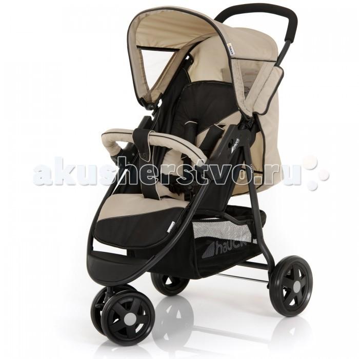 Прогулочная коляска Hauck CitiCitiПрогулочная коляска Citi предназначена для длительных прогулок на свежем воздухе. Шасси коляски выполнено из высокопрочного, легкого, лакированного сплава алюминия. Рама имеет свой уникальный, современный вид. Коляска обладает всеми необходимыми функциями прогулочных колясок. Складывается компактно, одним движением, по принципу книжка. Коляска имеет малый вес, транспортируется как в руках, так и любым доступным транспортом, что делает модель Hauck Citi еще более мобильной. Переднее колесо поворотное, сдвоенное. Конструкция сдвоенных колес удваивает возможность увеличения нагрузки на коляску. А поворотный механизм увеличивает маневренность, позволяя разворачивать коляску в условиях малого пространства. Система тормозов надежно фиксирует задние колеса и не дает коляске укатится самостоятельно.   Сидение прогулочного блока достаточно широкое, комфортное. Спинка жесткая, регулируется в несколько наклонных положениях, почти до горизонтального. Подножка, так же имеет функцию регулировки. В такой коляске ребенок будет себя чувствовать достаточно комфортно как во время прогулки, так и во время сна. Капюшон имеет два смотровых окошка, что позволяет изучать окружающий мир не вставая с кресла.  В основании большая и прочная корзина для покупок и игрушек.   Особенности: Комфортное сиденье Регулируемая до полного горизонтального положения спинка Солнцезащитный козырек Пятиточечные ремни безопасности с мягкими плечевыми накладками Съемный бампер Тканевые части коляски можно стирать в щадящем режиме при t воды 30° С Регулируемая подножка   Колеса: Переднее поворотное на 360 гр. колесо с возможностью фиксации Ножной тормоз на задних колесах Каучуковые колеса на дисках  Ручка: Регулируемая по высоте Приятная на ощупь накладка  Характеристики: Размеры коляски в разложенном виде: 91 х 51 х 110 см Размеры коляски в сложенном виде: 92 х 51 х 31 см Длина лежачего места: 85 см Ширина сидения: 33 см Диаметр передних колес: 17.5 см Диаметр задних колес: 20 