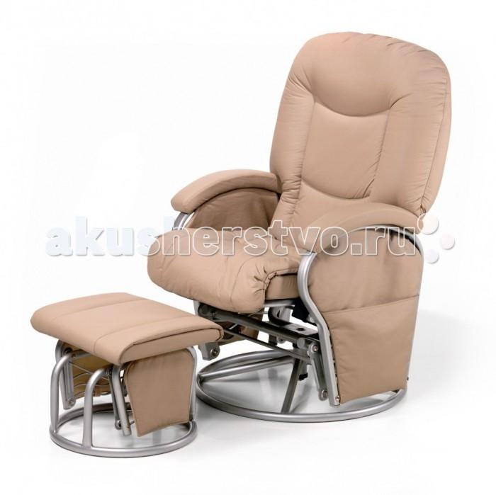 Кресло для мамы Hauck Metal GliderMetal GliderМногофункциональное кресло для кормящих мам Hauck Metal Glider – стильное универсальное кресло для полноценного отдыха и кормления грудью в удобной для Вас позиции. Благодаря современному оригинальному дизайну, кресло прекрасным способом впишется в интерьер любого помещения.  Характеристики: - прочная конструкция; - удобное эргономичной формы сидение; - наклон спинки кресла можно плавно изменить в нескольких позициях, включая «лежачее» положение; - мягкая выполненная в одном стиле с креслом скамеечка (стульчик) для ног с подвижным механизмом; - кресло поворотное на 360 градусов; - можно изменить расстояние между скамеечкой и креслом; - обивка кресла изготовлена из мягкой, приятной искусственной кожи, проста в уходе; - простая установка и эксплуатация комплекта; - максимальная нагрузка – 120 кг.  Размеры кресла: - вес 20кг - ширина сиденья 72см  Размеры стульчика: - вес 5,5кг - высота 40см - ширина 45см<br>