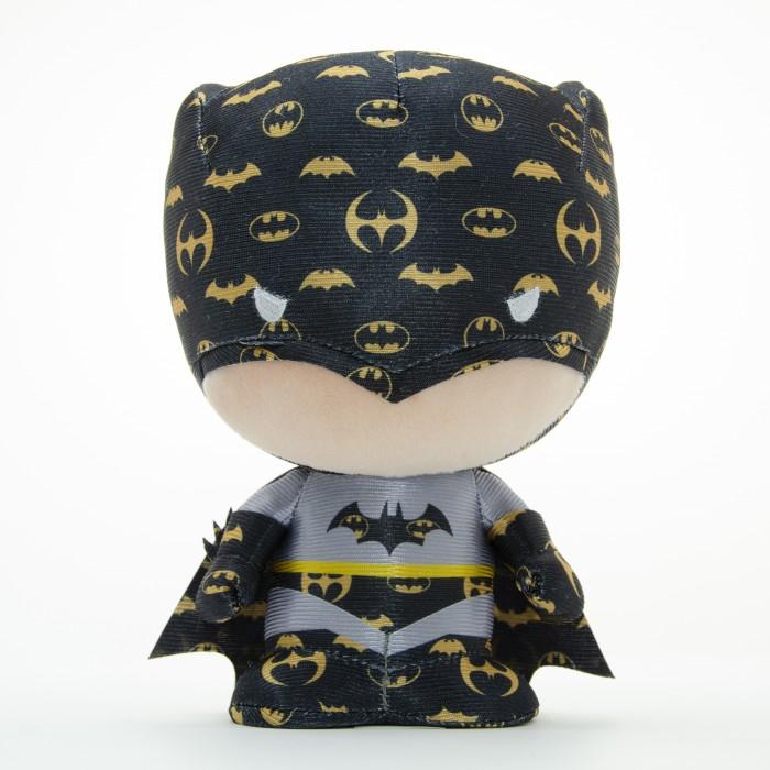 Картинка для Мягкая игрушка YuMe Коллекционная фигурка Batman DZNR Emblem 17 см