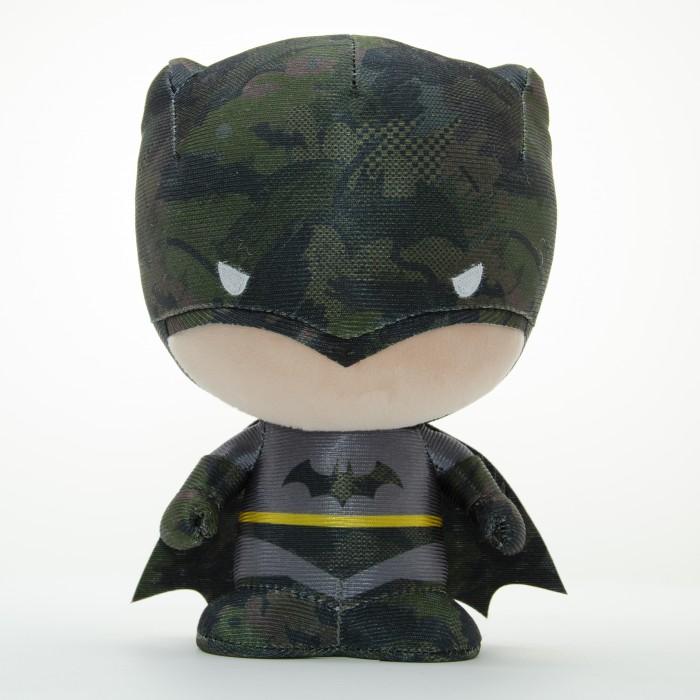 Картинка для Мягкая игрушка YuMe Коллекционная фигурка Batman DZNR Logo 17 см