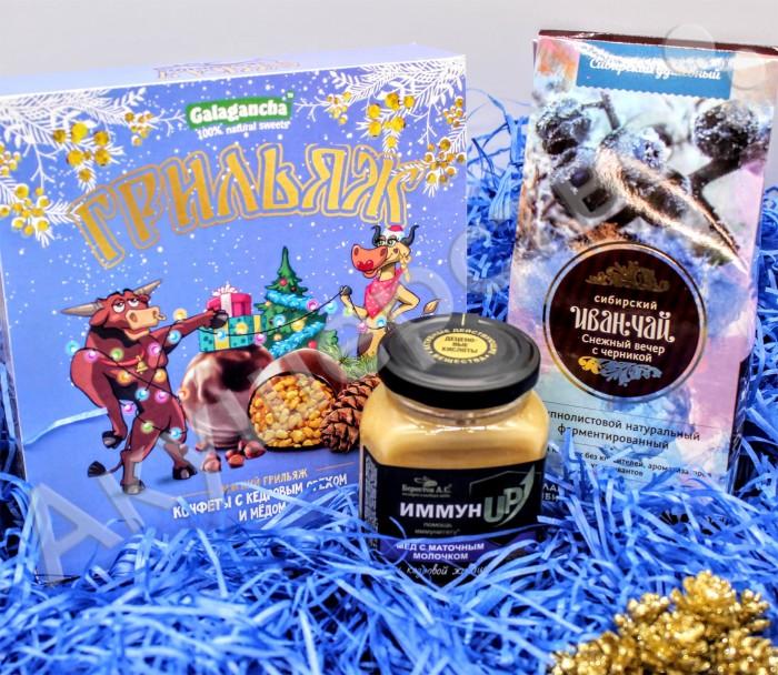 Купить Чай, НатурВектор Подарочный набор Снежный вечер: чай, мед, конфеты