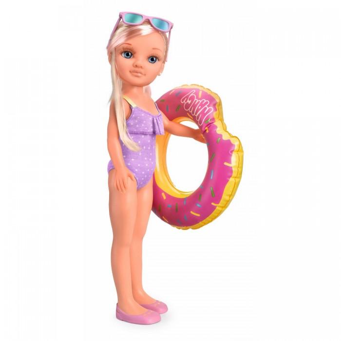 Famosa Кукла Нэнси в бассейне