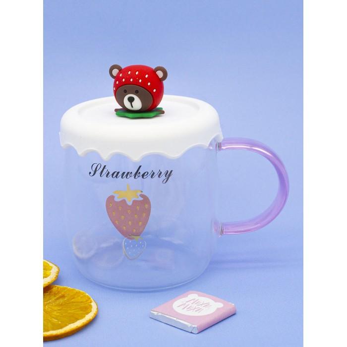 Посуда и инвентарь Mihi Mihi Кружка Клубничный Мишка с крышкой прозрачная №4 420 мл посуда и инвентарь mihi mihi кружка белые медведи с крышкой подставкой прозрачная 2 310 мл