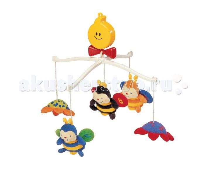 Мобиль KS Kids Крутящиеся музыкальные ПчелкиКрутящиеся музыкальные ПчелкиКрутящаяся музыкальная игрушка Пчелки KS Kids легко и быстро  крепится над кроваткой малыша. В центре мобила пчелка-погремушка, а вокруг нее  под приятную мелодию вращаются 2 цветочка-зеркальца и 2 другие милые пчелки.  Игрушки мобиля выполнены из мягкого материала, очень приятного на ощупь,  крылышки у пчелок шуршат.  Дети, лежа в кроватке, наблюдают за движущимися игрушками, прислушиваются к музыке, у них развивается зрительное восприятие, происходит первое знакомство с цветом. Когда малыш выростет из мобила, мягкие пчелки и цветочки пригодятся для игры.  Карусель приводится в движение при помощи заводного механизма сверху в виде солнышка.  Размер (дхгхш): 37 х 63 х 37 см<br>