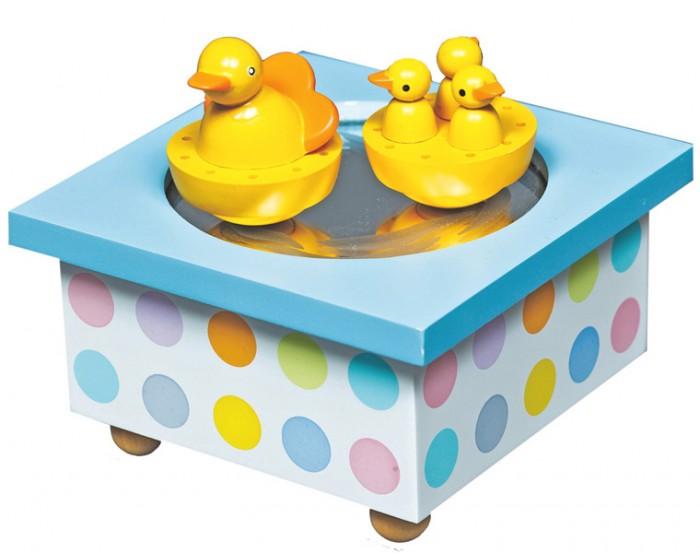 Trousselier Музыкальная шкатулка Wooden Box DuckМузыкальная шкатулка Wooden Box DuckСтильная и изящная музыкальная шкатулка Wooden Box Duck с механическим заводом для хранения игрушечных украшений и прочих мелочей.  При заводе шкатулки, фигурки кружатся под музыку (RAPSODIE - PAGANINI - S. RACHMANINOV)!    Малыш будет в восхищении. Не забываемый подарок на день рождения!  Музыкальный механизм заводится с помощью маленького ключика.  Размер: 11.5 х 11.5 х 7 см  Поставляется в подарочной коробке Trousselier.   Французский бренд Trousselier вот уже более 40 лет создает уникальные коллекции детских игрушек, товаров для дома и интерьера. Вся продукция изготовлена из натуральных материалов с соблюдением высоких европейских стандартов качества.<br>