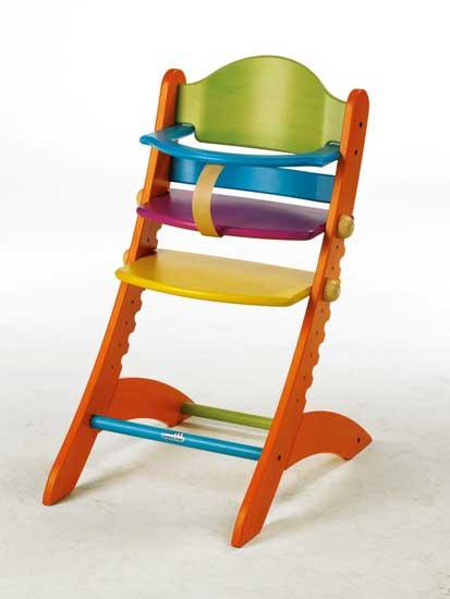 Стульчик для кормления Geuther Swing цветнойSwing цветнойСтульчик Geuther Swing цветной эргономично прилегает к маленькой спинке ребенка, его сиденье и опора для ног практически свободно парят в пространстве, несмотря на это, он прочно и надежно стоит своими дугообразными ножками на полу. Маленьких «беглецов» он встречает со спокойствием - расположенной на уровне живота дужкой. Своей чрезвычайной прочностью стульчик Swing не в последнюю очередь обязан массивной конструкции, а его дугообразный дизайн повторяется во всех деталях. А так как стульчик Swing не забывает и о родителях, он в мгновение ока и без инструмента регулируется по высоте и имеет большой срок службы.Благодаря предлагаемому отдельно столику для еды и игры стульчик Swing полностью независим от стола, его можно поставить в любом месте комнаты. Своим дизайном стульчик для кормления Swing оживит любой интерьер – семь различных цветовых исполнений помогут ему в этом. Отличительные особенности:регулируется по высоте, может использоваться взрослыми после того, как  ребёнок вырастает возможна регулировка подставки для ног, подноса и сидения  поднос полностью снимается  надёжный, обладает отличной устойчивостью  формирует правильную осанку  изготовлен из экологически чистого материала – массива бука  покрашен краской на водной основе, что делает его безопасным для ребёнка и  окружающей среды  может дополнительно комплектоваться удобной мягкой вставкой на сиденье для  малышей  легко моетсяХарактеристики:Вес: 9.4 кг  Материал: искусно обработанный цельный бук<br>
