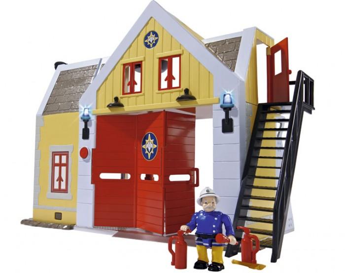 Simba Пожарный Сэм Пожарная станцияПожарный Сэм Пожарная станцияSimba Пожарный Сэм Пожарная станция со звуком и светом  Особенности: Ворота гаража открываются и в них может проехать пожарная машина Юпитер. Внутри базы 2 этажа. Кроме гаража здесь расположены, кухня, операторская и комната отдыха.  Комната для отдыха оснащена стульями и столом. Из комнаты отдыха можно попасть в гараж с помощью пожарного шеста.  В гараже есть шкаф и полки с пожарным инвентарем.  Высотка базы 30 см.  >База оснащена световыми и звуковыми эффектами.  Требуются батарейки 5x 1,5V LR06 (АА), не входят в комплект.<br>