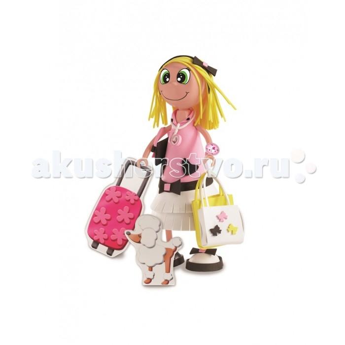 Educa Фофуча Хлоя набор для творчества в виде куклыФофуча Хлоя набор для творчества в виде куклыФофуча Хлоя набор для творчества в виде куклы.  Слово Фофуча пришло из Бразилии и означает «милая и симпатичная», так же называются и эти привлекательные куколки с длинными ногами и круглыми головами. Каждая Fofucha (Фофуча) так же уникальна, как и человек, её создавший.   Набор для творчества детская игрушка в виде куклы в разобранном виде, в комплект входит: сборное пластиковое тело, бархатная бумага разных цветов, двухсторонний скотч, схемы, картонные детали, самоклеящиеся глаза и рот, инструкция.   Состав: картон, бумага, пластик, этилен винил ацетат, полимерный материал. Игрушка предназначена для детей от 6 лет. Отделите части тела куклы от сетки.   Вырежьте обведённые деталии. Используйте достаточное количество двустороннего скотча, чтобы детали лучше держались. Придайте деталям нужную форму вручную, или с помощью каких-либо цилиндрических предметов.   Сделайте свои собственные аксессуары из оставшегося материала.   Приклейте глаза и рот, используя маркировку на лице куколки.<br>