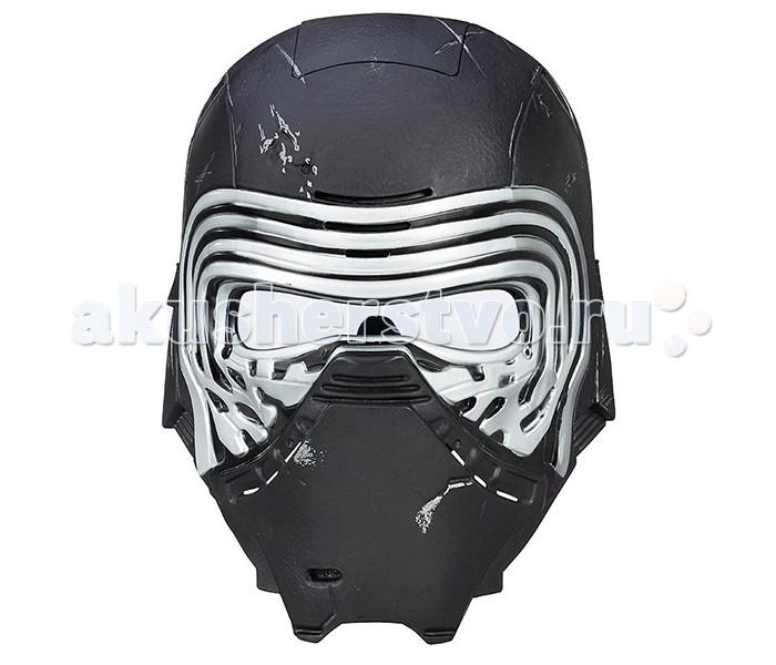 Star Wars Hasbro Электронная маска главного Злодея Звездных войнHasbro Электронная маска главного Злодея Звездных войнЭлектронная маска Star Wars главного Злодея Звездных войн - отличный выбор для каждого юного поклонника этой потрясающей космической саги.   Кайло Рен, воспитанный одним из величайших джедаев галактики, легендарным Люком Скайуокером, отрекся от своих родителей и перешел на Темную сторону силы, чтобы стать таким же могущественным злодеем как его знаменитый предок – Дарт Вейдер.   Как и Темный Лорд, Кайло Рен носит черную маску, которая придает ему таинственный и загадочный вид, а также изменяет голос. С электронной маской Star Wars B8032 Звездные Войны Электронная маска главного Злодея Звездных войн Вы можете полностью преобразится в этого персонажа и изменить голос до неузнаваемости!   На маске Вы можете увидеть повреждения и царапины, соответствующие сюжету фильма. В лицевую часть шлема встроен электронный модуль, преобразующий голос и интонацию одевшего её человека. Батарейки входят в комплект. Маска может быть подогнана по размеру головы благодаря регулируемым ремешкам.<br>
