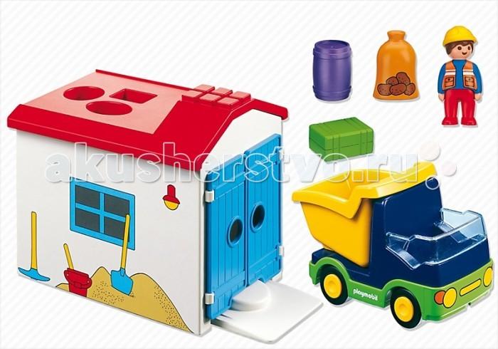 Конструктор Playmobil 1.2.3.: Грузовик с Гаражом1.2.3.: Грузовик с ГаражомPlaymobil 1.2.3.: Грузовик с Гаражом.   Игровой набор Грузовик с гаражом - конструктор с функцией сортера! Даже самый маленький любитель грузовичков теперь может развиваться через веселую игру. Принцип сортера – это подбор. Игровой набор Грузовик с гаражом - конструктор с функцией сортера!   Даже самый маленький любитель грузовичков теперь может развиваться через веселую игру. Принцип сортера – это подбор подходящих по размеру отдельных фигурок к отверстиям в игрушке. На крыше гаража находятся 3 отверстия специально для того, чтобы можно было загружать запасы разного размера прямо через крышу в то время, когда грузовичок припаркован внутри гаража.  В набор входят:  каркас гаража 1 фигурка человечка 1 машинка - грузовичок.  Дополнительные аксессуары:  1 бочка 1 мешок с продовольствием 1 ящик.<br>