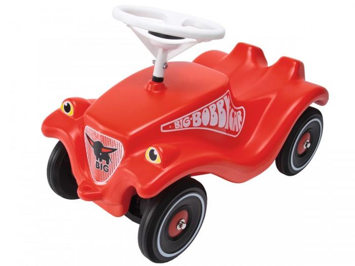 Каталка BIG Bobby Car Classic 1303Bobby Car Classic 1303Детская каталка для мальчиков выполнена в виде мощной черной машины с красным рулем. Имеет четкое управление, прорезиненные колеса и звуковой сигнал на руле.   Стильный, взрослый автотранспорт для маленького путешественника. BIG-Бобби-CAR-CLASSIC-FULDA оснащен новыми шинами ультра-высокой производительности, выполненные из специальных сплавов, что обеспечивает машинке высокое качество скольжения. Это не только выглядит спортивным, но и обеспечивает превосходные характеристики управляемости.   Экстра-широкие шины. Размер: 58см x 30см x 39 см<br>